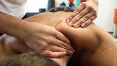 Rückenschmerzen besiegen - geringe Gelenkbelastung beim Schlingentraining macht's möglich!