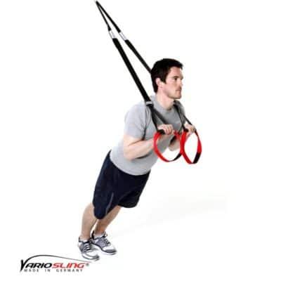Sling-Trainer Armübung -Trizeps vor der Brust mit tiefen Ellenbogen