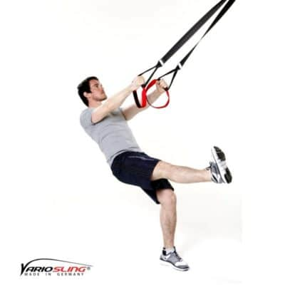 Sling-Trainer Übung – Einbeinige Kniebeuge mit Kick