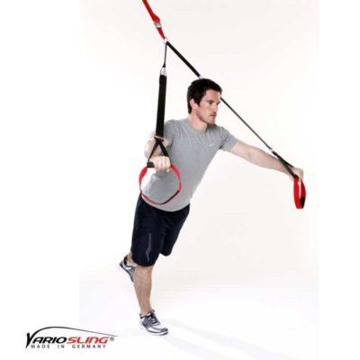 Sling-Trainer Brustübung - Chest Press halten ein Bein nach hinten anheben