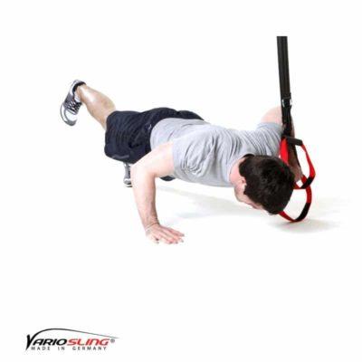 Sling-Trainer Brustübung - Push-up einbeinig, eine Hand am Griff