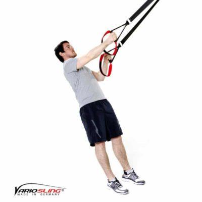 Sling-Trainer Rückentraining – Low-Row mit versetzten Griffen und Körperrotation
