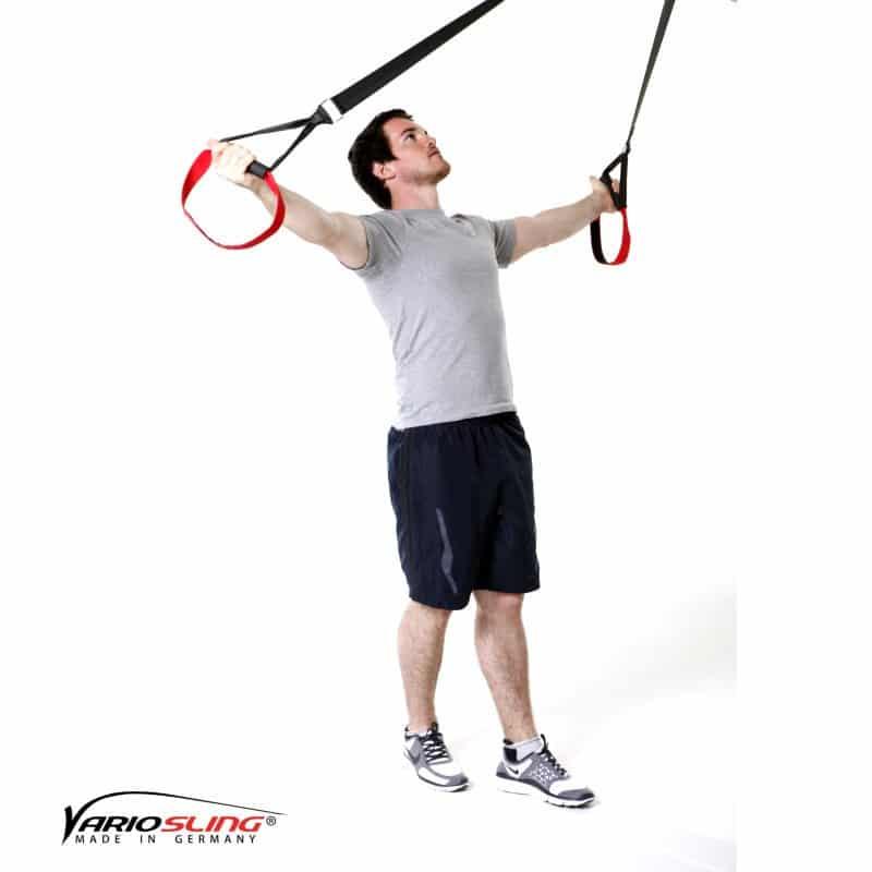Sling-Trainer-Schulterübungen-Butterfly Reverse mit versetzten Füßen und Außenrotation-01