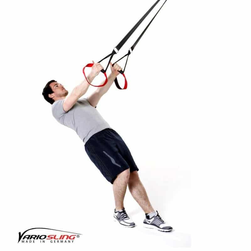 Sling-Trainer-Schulterübungen-Butterfly Reverse mit versetzten Füßen und Außenrotation-02