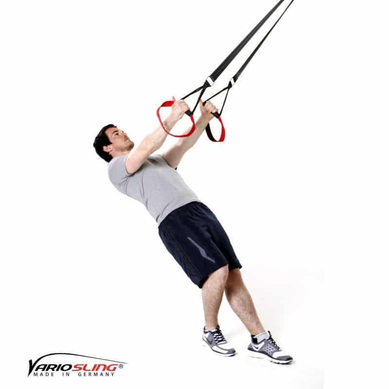 Sling-Trainer-Schulterübungen-Butterfly Reverse mit versetzten Füßen und einarmig-01