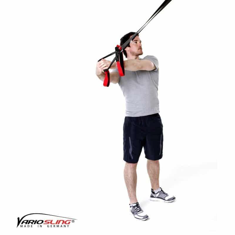 Sling-Trainer-Schulterübungen-Oberkörperrotation mit gestreckten Armen-02
