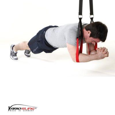 Sling-Trainer Bauchübung –  Knee Ab Beetle mit Hände zusammen