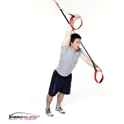 Sling-Trainer Bauchübung – Standing Roll-Out, ein Arm gestreckt
