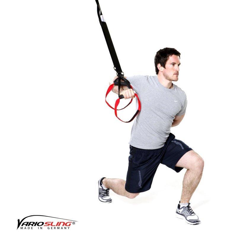 sling-trainer-uebung-ganzkoerper-ausfallschritte-mit-1-armiger-chest-press-02