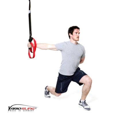 Sling-Trainer Ganzkörperübung - Ausfallschritte mit 1-armiger Fly