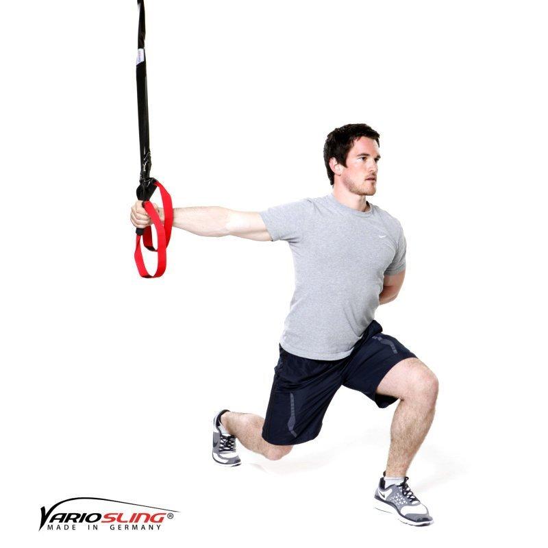 sling-trainer-uebung-ganzkoerper-ausfallschritte-mit-1-armiger-fly-02