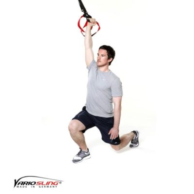 Sling-Trainer Ganzkörperübung - Ausfallschritte mit gestrecktem Arm